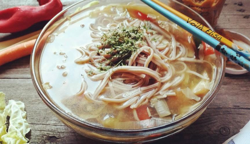 caldo-japones-vegano-saludable-sopa-fideos-china-comida-asiatica-sana