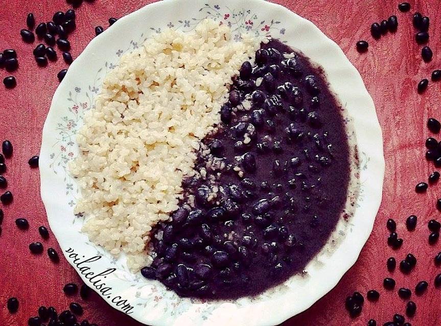 arroz-integral-frijoles-negros-comida-cubana-vegana