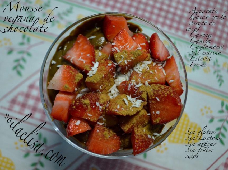 mousse-yogur-chocolate-sano-sin-gluten-sin-lactosa-sin-azucar-fresas-sin-frutos-secos